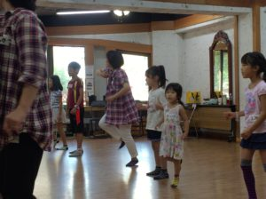 みんなで踊ろう!
